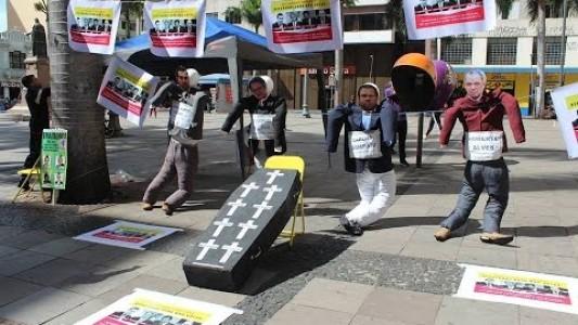 Ato no centro de Campinas denuncia deputados da região