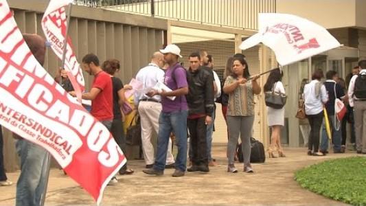 Astrazeneca: demissões em massa na unidade de Cotia