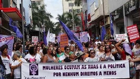 Caminhada encerra semana do Dia Internacional da Mulher